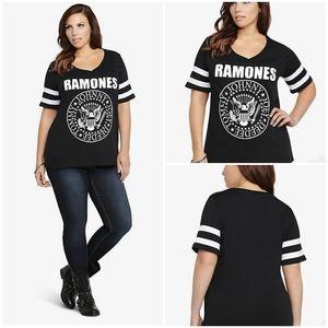 "TORRID ""RAMONES"" BAND TSHIRT"